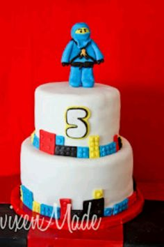 This past weekend we went to a crazy fun party! It was my little nephew's birthday party. And he was celebrating it with a 'Ninjago' theme. Ever heard of Ninjago? Lego Ninjago Cake, Ninjago Party, Lego Cake, Superhero Party, Ninja Birthday, Boy Birthday Parties, Birthday Fun, Birthday Ideas, Birthday Cakes