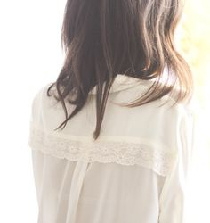 Biombo13 Beige, Ruffle Blouse, My Style, Stylish, Womens Fashion, Hair, Fashion Design, Outfits, Clothes