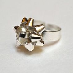 Christmas present Bow ring