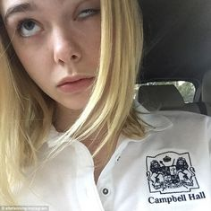 'Back to early wake-ups!' Elle Fanning heads back to school post break Badass Aesthetic, Aesthetic People, Dakota Fanning Y Elle, Fanning Sisters, No Me Importa, Cute Faces, Famous Faces, American Actress, Style Icons
