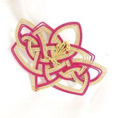 身につける水引 蓮の花をかたどった水引細工のヘアクリップ
