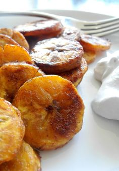 Sweet Caramel Cinnamon Baked Plantains - Ripe plantains tossed in coconut oil and baked with cinnamon, coconut sugar, and salt.