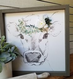 zeichnung Farmhouse Sketched Cow With Floral Crown Wood Wall Decor / Fixer Upper Style /Farmhouse Style gifts for her Wood Wall Design, Wood Wall Decor, Diy Wall, Home Decor Bedroom, Diy Home Decor, Bedroom Colors, Cow Pictures, Rustic Wood Walls, Cow Painting