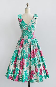 vintage 1950s inspired 80s peony floral print dress