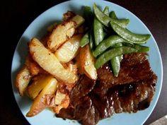 Bifteck du bistrot avec légumes rôtis
