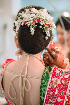 24 Trendy Indian Bridal Bun Hair Style The Voice Bridal Hairstyle Indian Wedding, Bridal Hair Buns, Indian Bridal Hairstyles, Indian Bridal Makeup, Best Wedding Hairstyles, Bride Hairstyles, Trendy Hairstyles, Hairdos, Flower Hairstyles
