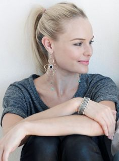 Kate Bosworth looks so pretty here. Simple and chic. Love the tee shirt, bracelet and please checkout the gorgeous earrings. Biddy Craft