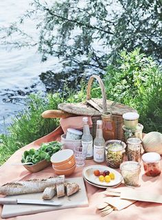 18 Delicious & Portable Picnic Recipes - Camille Styles
