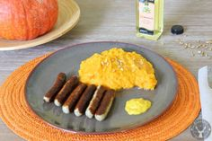 Love it: Pumpkin Potatoe Mash - THE fall meal! So good - you just need the right kind of pumpkin for it!