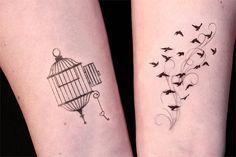 Hey, diesen tollen Etsy-Artikel fand ich bei http://www.etsy.com/listing/111465045/open-cage-and-birds-in-flight-temporary