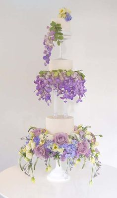 Pretty Branches of Wisteria Sugar Flowers | Cakes with Flowers, Purple Cakes, Wedding Cakes | Beautiful Cake Pictures