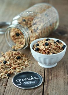 A simple tutorial for how to make homemade granola with so many ways to customize it – store in a Ball jar to keep it fresh