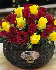 Red & Yellow Roses Beautiful Rose Flowers, Amazing Flowers, Flower Centerpieces, Flower Decorations, Rose Color Meanings, Corporate Flowers, Valentines Flowers, Rose Wallpaper, Rose Bouquet