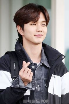Yoo Seung Ho the Male Lead for Rom-com K-drama Super Star Ms. Yoo Seung Ho, Kwak Dong Yeon, Kim Young, Kim Min Gyu, Handsome Korean Actors, Kim Myung Soo, Hyun Woo, Korean Star, Korean Language