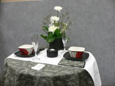 Table design Table Designs, Flower Show, Floral Designs, Flower Arrangements, Table Settings, Tables, Tray, Concept, Flowers