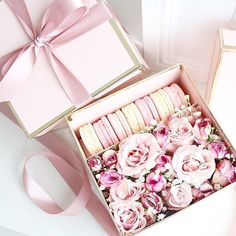 Prettiest Valentine& Macarons and Floral gift box available for preorder! Preorder SPECIAL on orders placed before Sunday February Valentines Gift Box, Valentines Gifts For Boyfriend, Boyfriend Gifts, Homemade Valentines, Valentine Wreath, Valentine Ideas, Boyfriend Girlfriend, Flower Box Gift, Flower Boxes