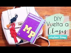 DIY Llavero y Cuaderno - Vuelta a clases | Carolina Llano - YouTube Gold Style, Fashion Books, Diys, Youtube, How To Make Keychains, Notebooks, How To Make, Bricolage, Do It Yourself