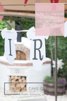 Baby showers might look a little bit different at the moment but Kirsty Prankerd, Managing Director at gift specialist Write From The Heart, has tips to help you throw a beautiful and memorable party that the mum-to-be will love. Baby Shower Cakes, Baby Shower Gifts, Baby Gifts, Fruit Drinks, Alcoholic Drinks, Belle Cake, Cute Onesies, Surprise Baby, Virtual Baby Shower