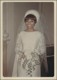 Leslie Uggams married Grahame Pratt in 1965 and they have been happily married ever since!