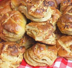 Savory Pastry, Salty Snacks, Hungarian Recipes, World Recipes, Finger Foods, Dessert Recipes, Food And Drink, Cooking Recipes, Yummy Food