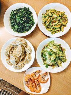 Stir Fried Choy Sum with Dried Shrimps & What We Eat in China Asian Recipes, Healthy Recipes, Ethnic Recipes, Vegetable Base Recipe, Chinese Vegetables, Chinese Greens, Vegetarian Dinners, Veggie Dishes, Plant Based Recipes