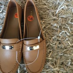 ❗️final price❗️Coach tan flats Brand new pair of shoes missing box Coach Shoes Moccasins