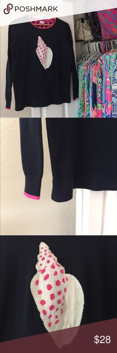 ❤️Crown & Ivy❤️ Sweater Excellent Condition Crown & Ivy navy shell sweater in size XL but could easily fit a L. Adorable.  Slits on bottom sides. Crown & Ivy Sweaters Crew & Scoop Necks