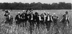 American Civil War Veterans reenact Pickett's Charge 1913. [631x300]