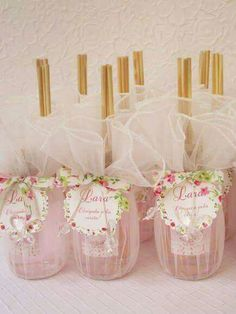 Lembrancinha de Chá de Bebê: Mini difusores Wedding Favours, Party Favors, Wedding Gifts, Diy And Crafts, Paper Crafts, Baby Shawer, Altered Bottles, Ideas Para Fiestas, Baby Decor