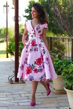 find singles mode-fur-frauen/latest-ankara-dress-styles/ people shemales Gia trans ts tv ladies shemales 1551 Flowery Dresses, Elegant Dresses, Pretty Dresses, Beautiful Dresses, Floral Gown, Latest Ankara Dresses, Short Dresses, Prom Dresses, Women's Fashion Dresses