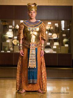 Rami Malek- Night at the Museum Ancient Egyptian Clothing, Egyptian Art, Night At The Museum, Rami Malek, Costume Dress, Costume Design, Beautiful People, Celebs, American