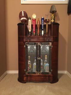 12 desirable liquor cabinet images antique radio cabinet globe rh pinterest com