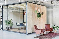 la salle de réunion en forme de boite de Fairphone