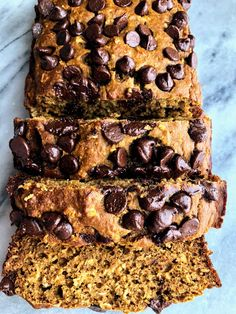 This healthy pumpkin oat bread is naturally sweetened with honey, and is made from simple ingredients like Greek yogurt and oatmeal. This bread is fluffy and moist and can easily be made gluten free. Healthy Pumpkin Bread, Pumpkin Banana Bread, Pumpkin Loaf, Pumpkin Chocolate Chip Bread, Gluten Free Pumpkin, Vegan Pumpkin, Pumpkin Dessert, Pumpkin Recipes, Pumpkin Oatmeal Muffins