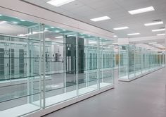 Zone Display Cases - Products - Visible storage - Museum quality display cases