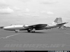 English Electric Canberra PR7 aircraft picture