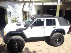 Hey everybody, I was wondering if anyone had any pics of an XJ done with a soft top conversion like the new 4 door wranglers. Jeep Xj Mods, Jeep Cj7, Lifted Jeep Rubicon, Lifted Jeep Cherokee, Jeep Grand Cherokee Zj, Jeep Cherokee Limited, Jeep Wagoneer, Wrangler Rubicon, Jeep Truck