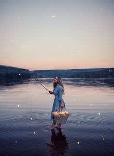 Whimsical, Cinematic And Ethereal Self-Portraits By Rosie Hardy on – Gorgeous portraits by Rosie Hardy, multi-talented photographer, artist and content creator… Magical Photography, Concept Photography, Surrealism Photography, Fantasy Photography, Artistic Photography, Girl Photography, Creative Photography, Levitation Photography, Experimental Photography