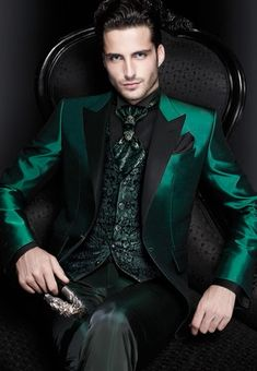 New Arrivals Italian Green Men Suits Satin Slim Fit Formal Groom Prom Dress
