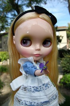 Alice in Wonderland Blythe.