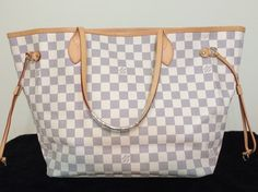 Louis Vuitton Neverfull Mm Hand Excellent Conditions Hobo Bag. Hobo bags are hot this season! The Louis Vuitton Neverfull Mm Hand Excellent Conditions Hobo Bag is a top 10 member favorite on Tradesy. Get yours before they're sold out!
