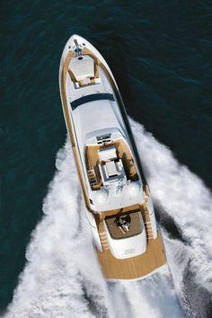 Pershing 92 (via Pershing Yacht)