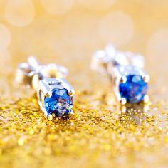 7a195f34bfcc Los pendientes Modelo BLUE son unos sencillos pero bellísimos pendientes de  zafiro