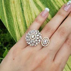 Ring by Begani Jewels! Diamond Finger Ring, Diamond Rings, Diamond Jewelry, Jewelry Rings, Fine Jewelry, Jewellery Sketches, Diamond Design, Jewelry Patterns, Ring Earrings