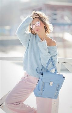 Colorful Outfits To Look Cool Look Fashion, Spring Fashion, Fashion Outfits, Womens Fashion, Fashion Trends, Early Spring Outfits, Winter Outfits, Pastel Outfit Spring, Ärmelloser Mantel