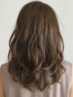 透明感のある大人カジュアルなロングスタイル:ロング in 2020 Medium Bob Hairstyles, Permed Hairstyles, Asian Hair Perm, Medium Hair Styles, Short Hair Styles, Digital Perm, How To Curl Short Hair, Hair Arrange, Hair Looks