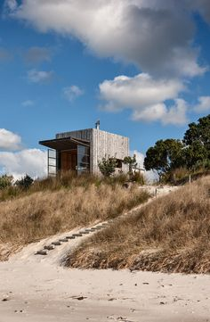 Hut on Sleds by Crosson Architects | Detached houses
