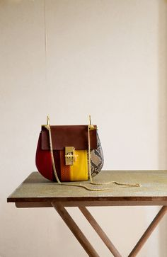 The Chloé Fall 2015 accessories collection – Drew small bag in python stripes and vegetal calfskin