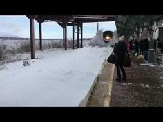 Snow covered the train tracks at the Rhinecliff Station in New York. Bystanders waited for the train to pass by, but it didn't slow down enough and caused a wave of snow to splash them 🌸 🌹 ᘡℓvᘠ □☆□ ❉ღ happily // ✧彡●⊱❊⊰✦❁❀‿ ❀ ·✳︎· SU MAR 19 2017 ✨ ✤ॐ ✧⚜✧ ❦♥⭐ ♢∘❃ ♦♡❊ нανє α ηι¢є ∂αу ❊ღ༺✿༻✨♥♫ ~*~ ♆❤ ☾♪♕✫❁✦⊱❊⊰●彡✦❁↠ ஜℓvஜ 🌹