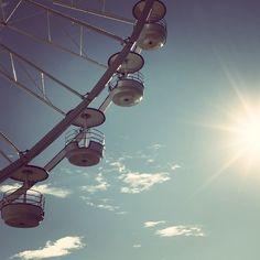 Le soleil et la roue - marseille by @voyagesetc